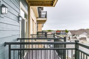 layton square apartments, affordable apartments near cudahy, apartment amenities